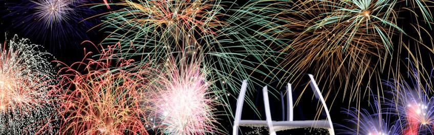 Sekt und Feuerwerk